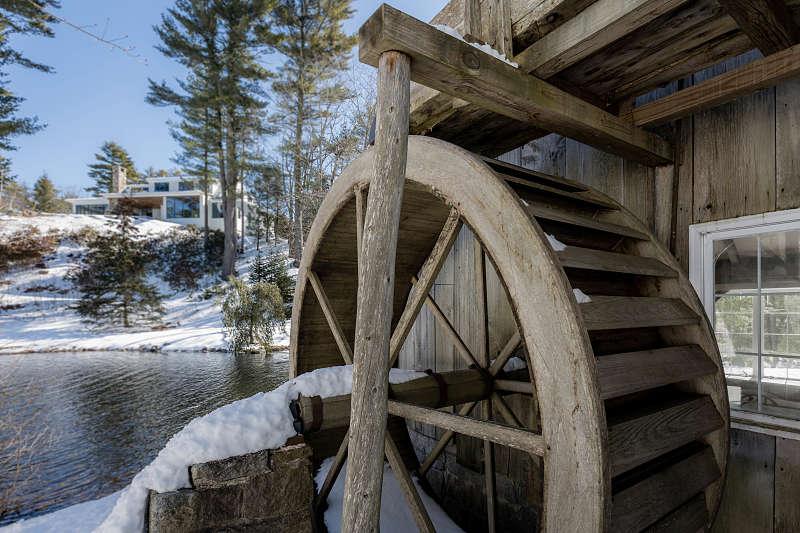 Waterwheel Thos Moser