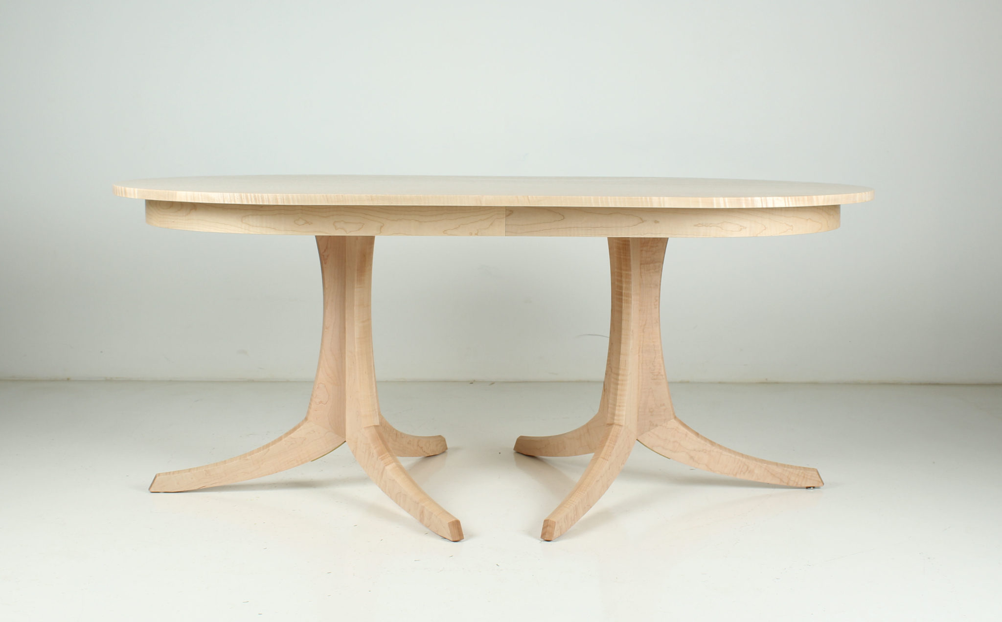 Georgetown Table Double Pedestal OUTLET Thos Moser : 90 5312 42 x 72 solid top fig maple from www.thosmoser.com size 2048 x 1272 jpeg 120kB