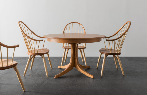 Georgetown Table with Continuous Arm Chair