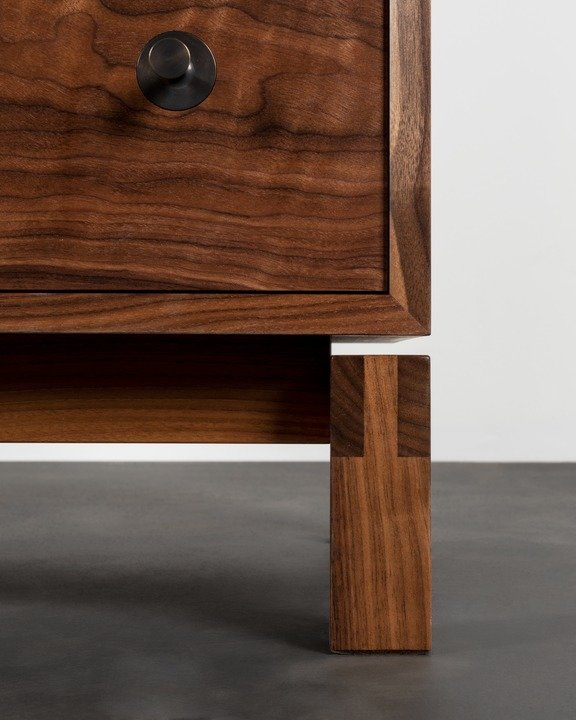 Studio Dresser - Vertical