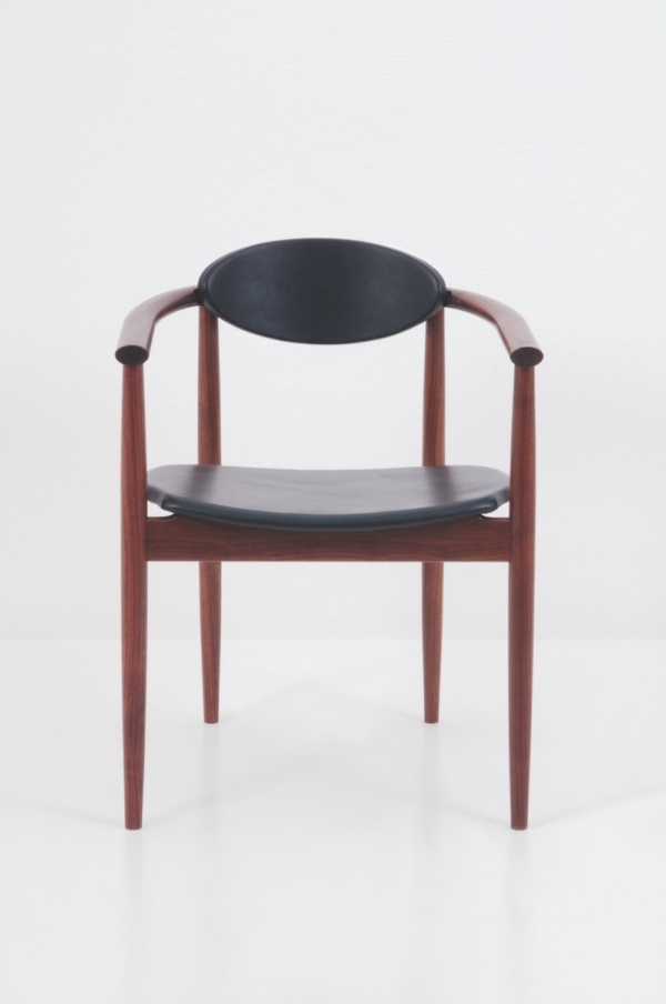 Ellipse Arm Chair - Walnut