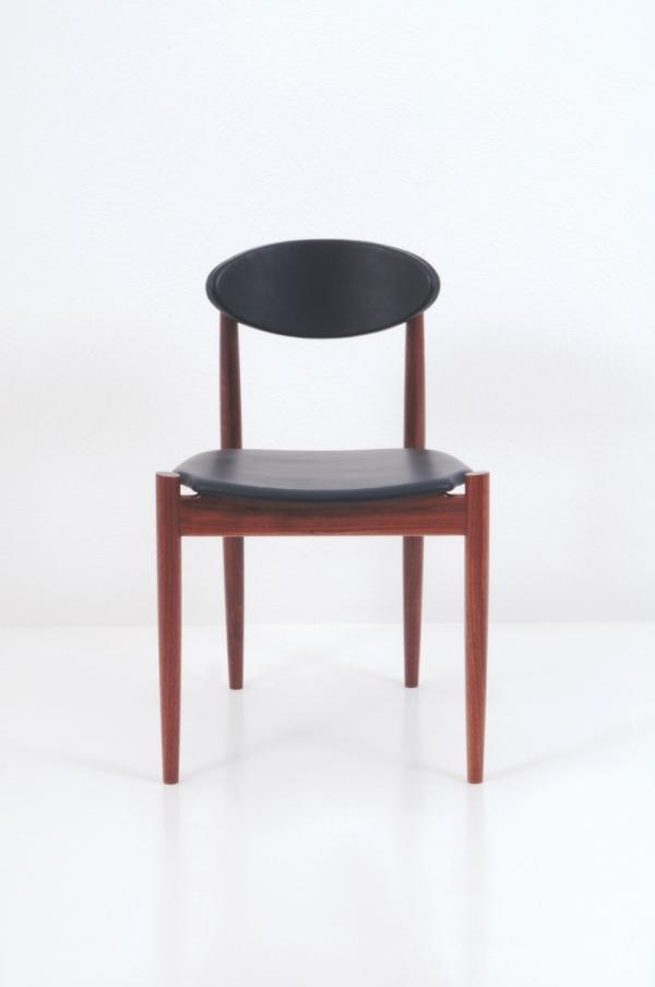 Ellipse Side Chair - Walnut