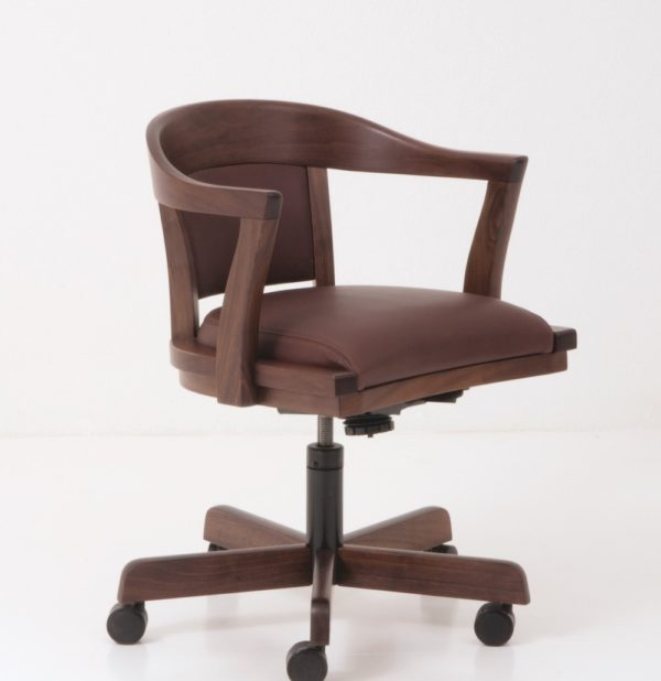 Regent Swivel Chair