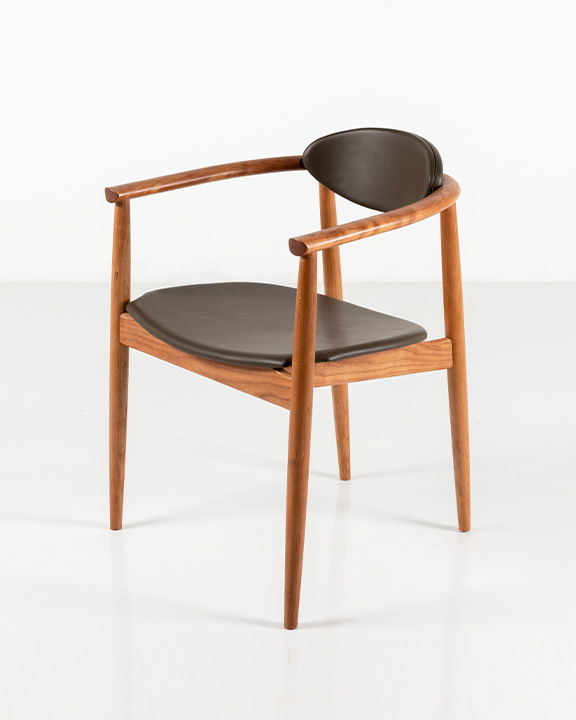Ellipse Arm Chair in Cherry