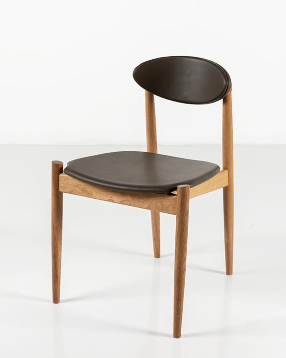 Ellipse Side Chair in Cherry
