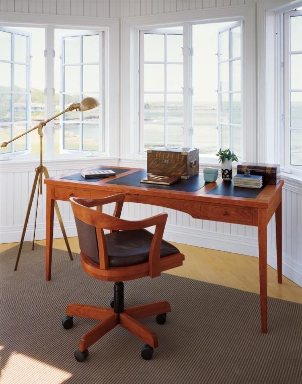 Four Leg Writing Desk