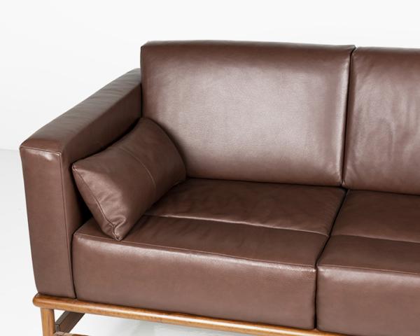 Hartford Sofa - Three Place