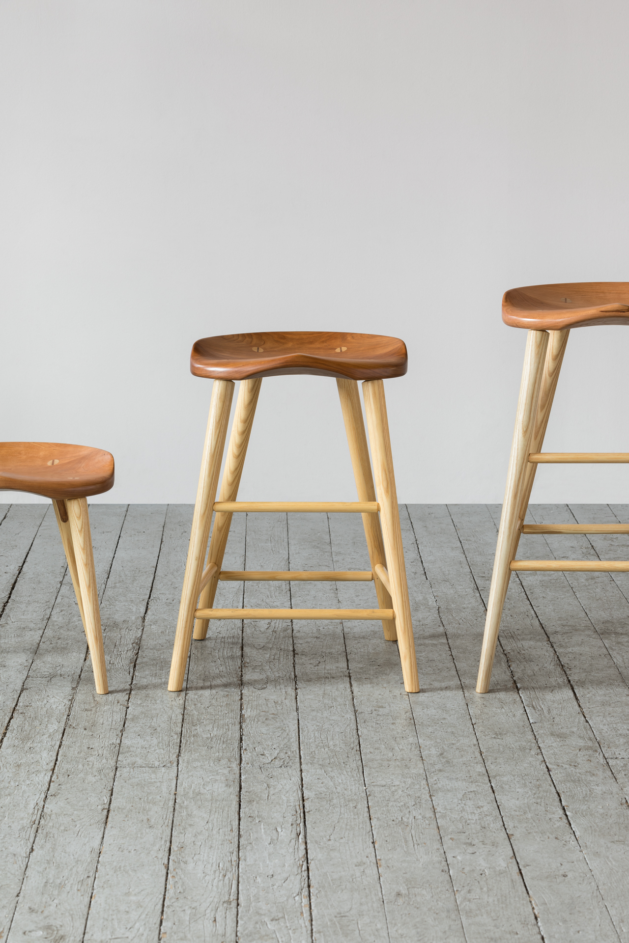 Delicieux High Stool