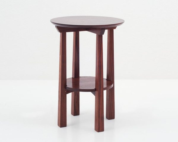 American Bungalow Round Stand