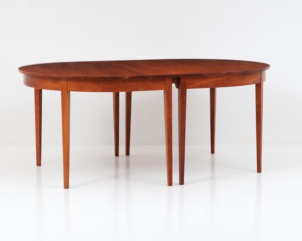 Oval Ring Extension Table - Eight Leg