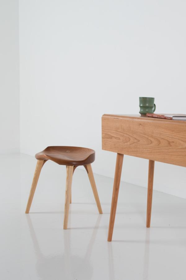 Splay-Leg Drop Leaf Table