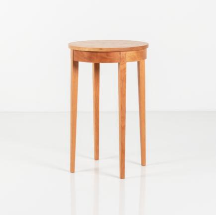 Table Minimus Round in Cherry