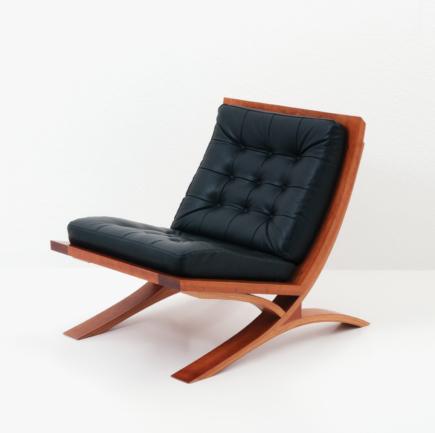 Vita Lounge Chair in Cherry